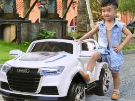 Ô tô trẻ em giá rẻ|Xe ô tô điện cho bé f000