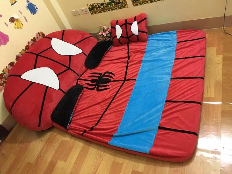 Nệm hình thú cao cấp hình người nhện ruột cao su non
