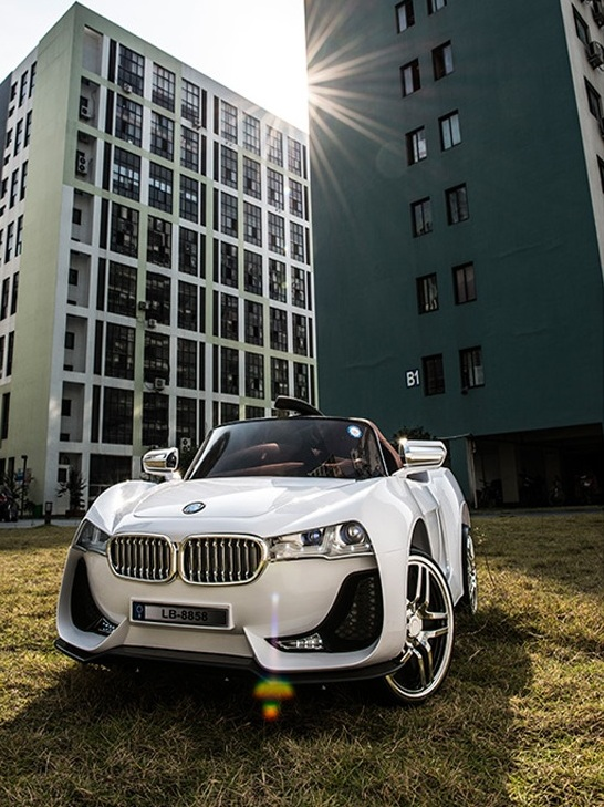 Xe ô tô điện trẻ em BMW LB 8858