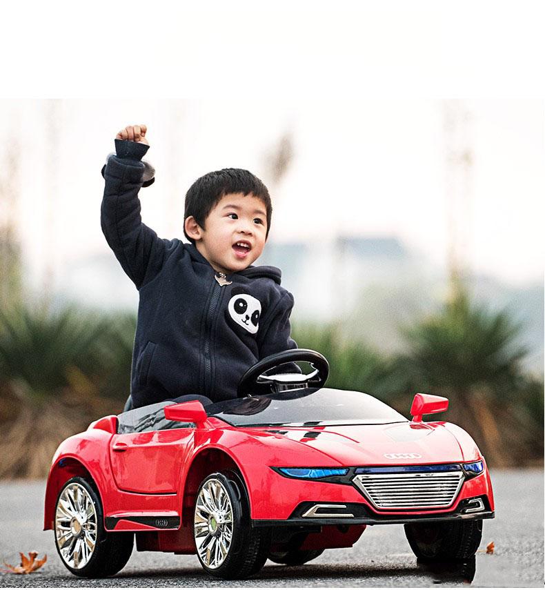 Xe ô tô trẻ em cao cấp Audi A228