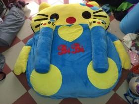nệm-thú-bông-Hello Kitty-xanh-vang