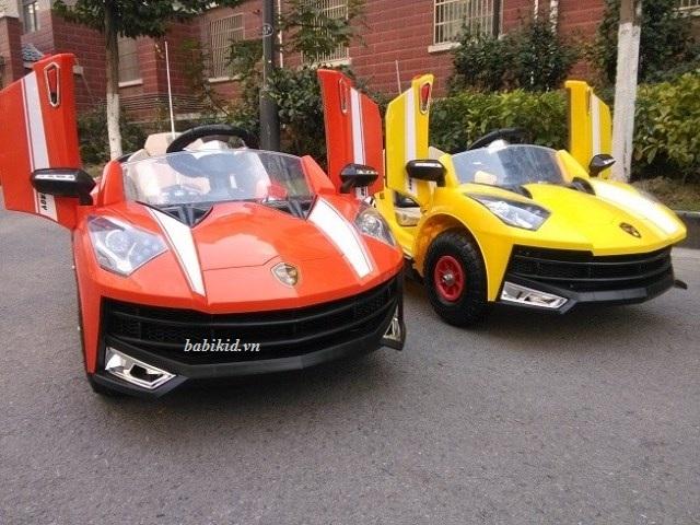 Xe ô tô điện trẻ em Lamborghini WXE-8188