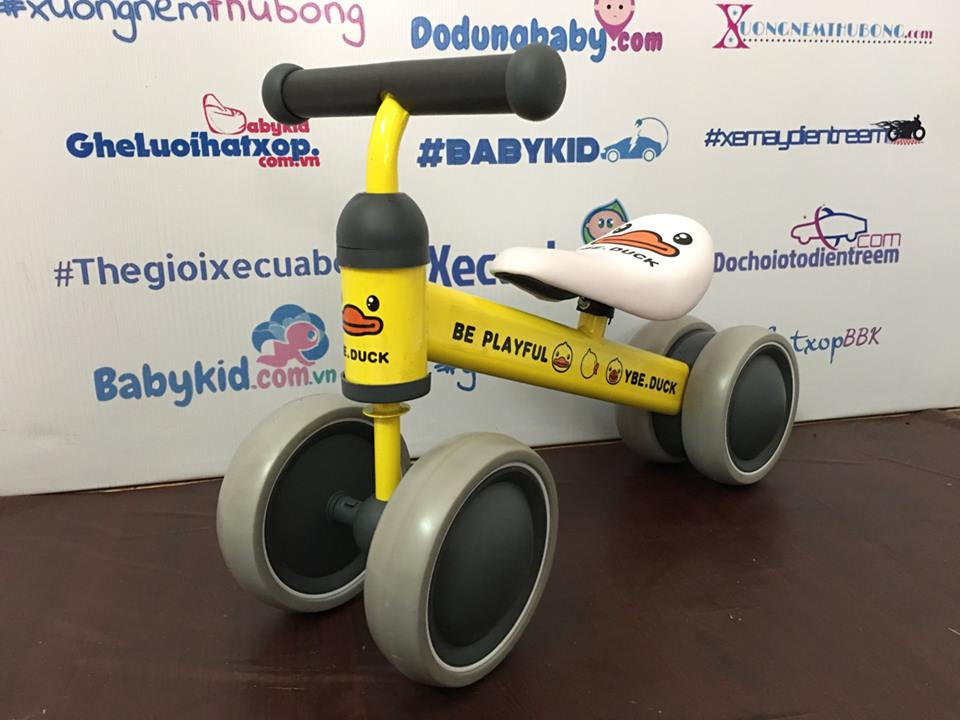 Xe thăng bằng trẻ em 3 bánh