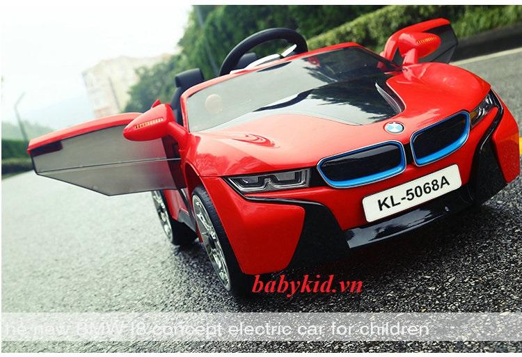 xe-ô-tô-điện-trẻ-em-KL-5068A-màu-đỏ-cánh-mở