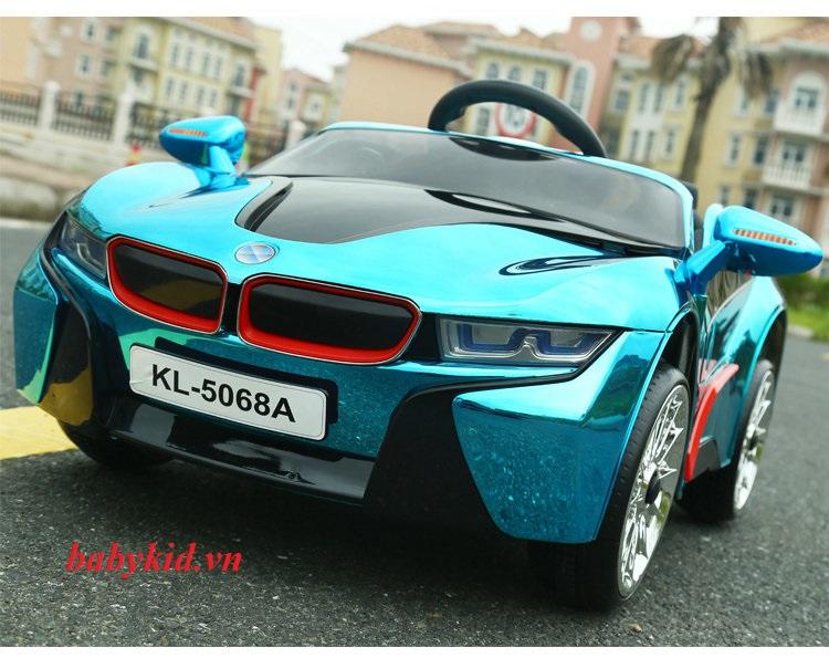 xe-ô-tô-điện-trẻ-em-KL-5068A-màu-trắng-giá-rẻ-mẫu-mới