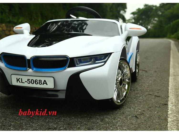 xe-ô-tô-điện-trẻ-em-KL-5068A-màu-trắng-giá-rẻ-nhất
