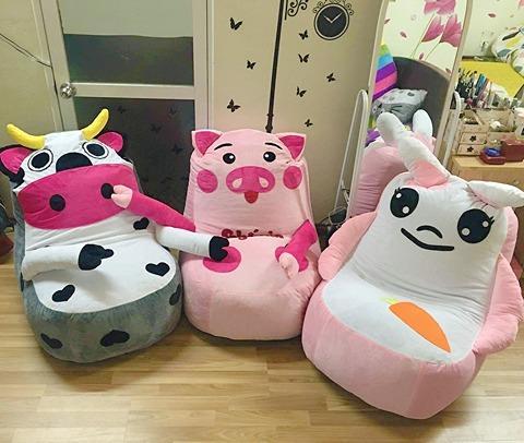 Ghế lười hạt xốp dáng sofa hình con bò