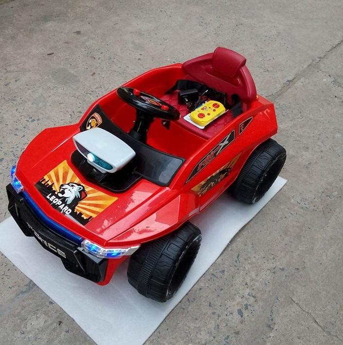 Xe-ô-tô-điện-trẻ-em-W-2502A