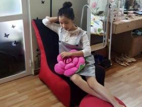 ghế-lười-hạt-xốp-dáng-sofa-đỏ