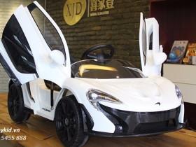 xe ô tô điện trẻ em 672R (7)