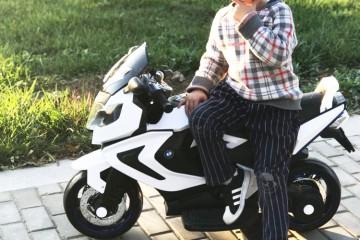 Xe mô tô điện cực ngầu và cá tính dành cho bé trai