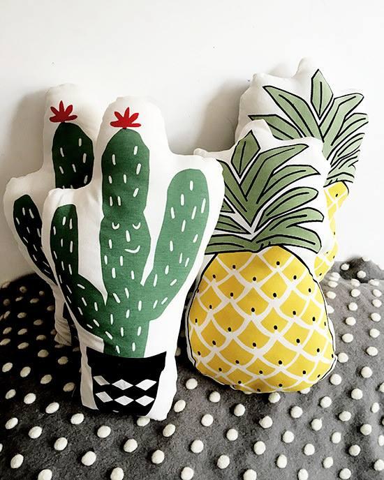 Gối ôm trang trí Home's Babykid hình hoa quả