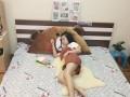Gối tựa đầu giường hình Gấu Brown Kiss GĐG08ư (2)