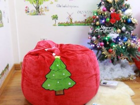 Ghế lười hạt xốp dáng lê chất nhung mũ Noel đỏ GL L100 (4)