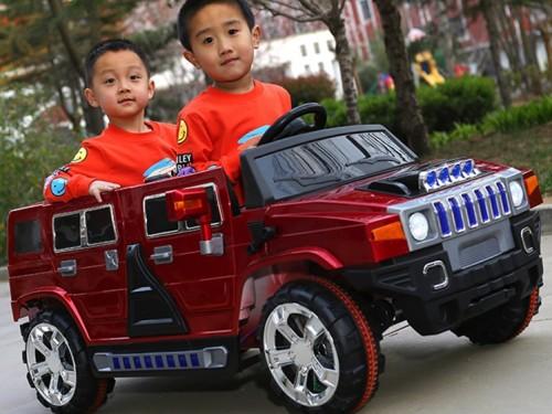 Xe ô tô điện trẻ em CL-8888 đứa bé