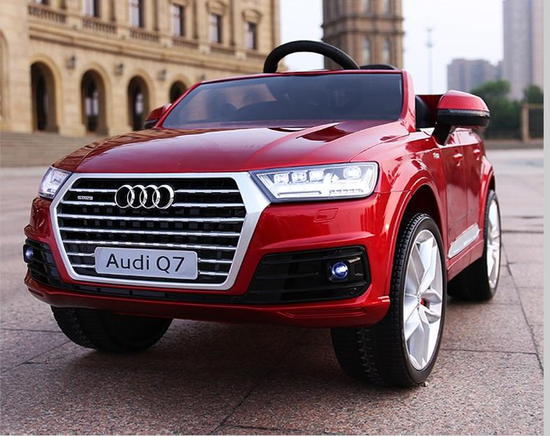 xe ô tô điện trẻ em Audi Q7 đỏ 2