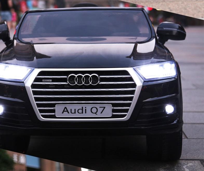 xe ô tô điện trẻ em Audi Q7 đen 2