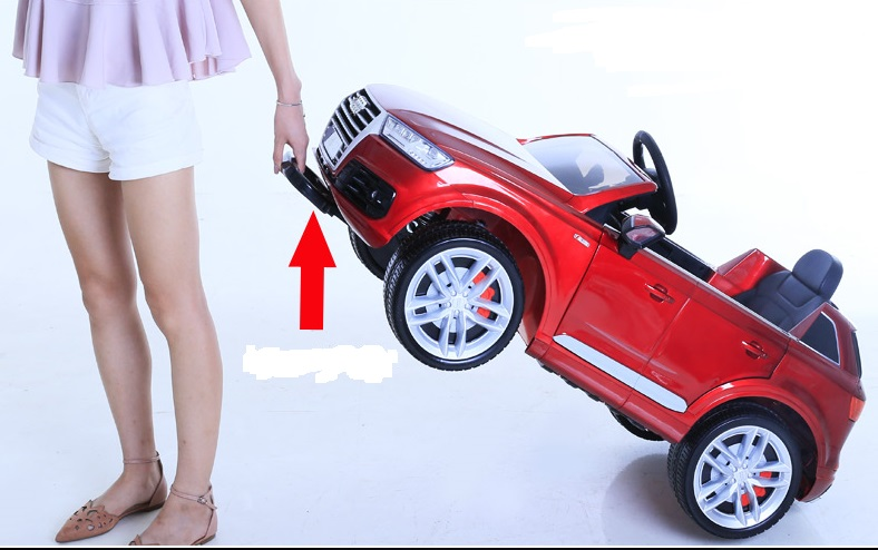 xe ô tô điện trẻ em Audi Q7 tay kéo