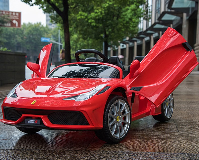 xe ô tô điện trẻ em FC8858 đỏ