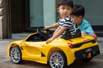 Vì sao nên mua xe ô tô điện trẻ em ở cửa hàng BABYKID