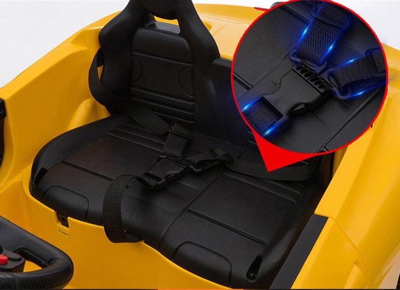 xe ô tô điện trẻ em FC8858 ghế xe