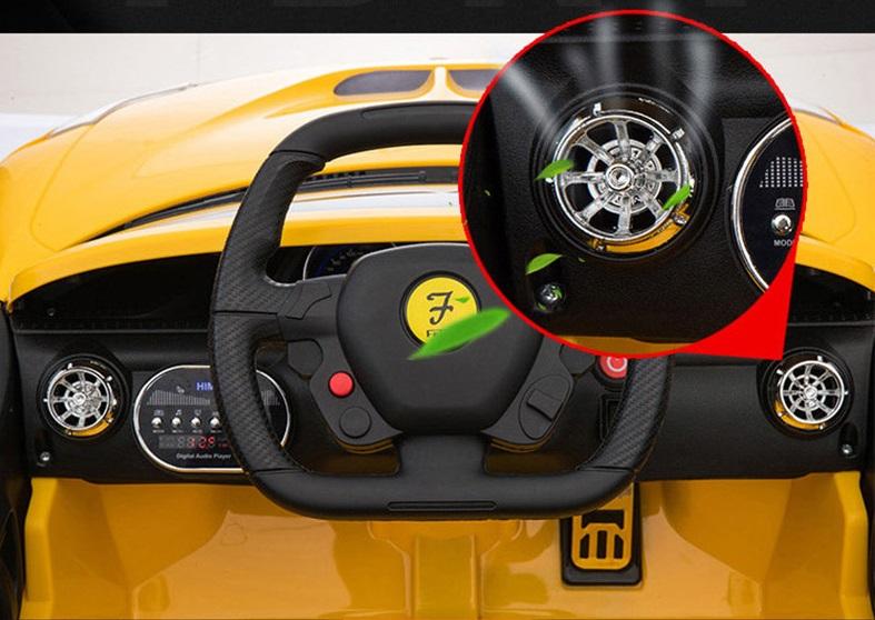 xe ô tô điện trẻ em FC8858 vô lăng
