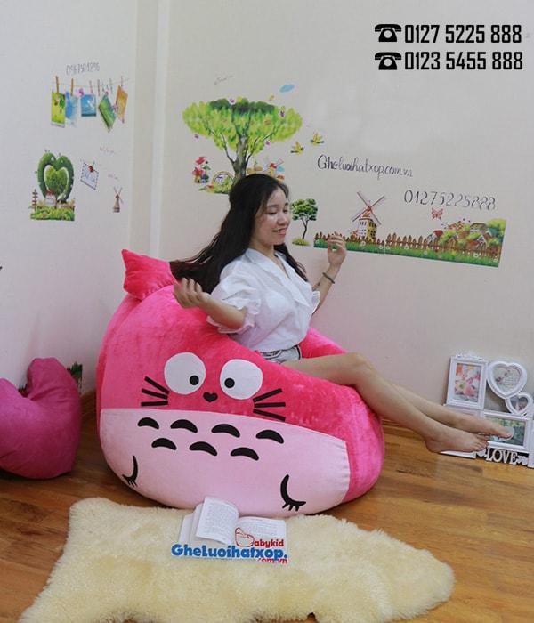 Ghế hạt xốp hình Totoro màu hồng chất nhung GL L128