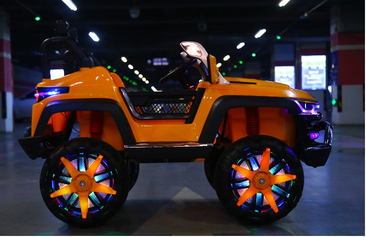 xe ô tô điện trẻ em KP- 6699 đèn LED