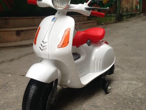 Xe máy điện trẻ em Vespa 9988 (14)