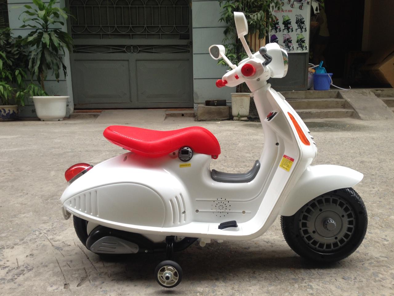 Xe máy điện trẻ em Vespa 9988