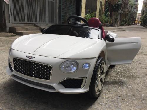 xe ô tô điện trẻ em HSD-8203 1