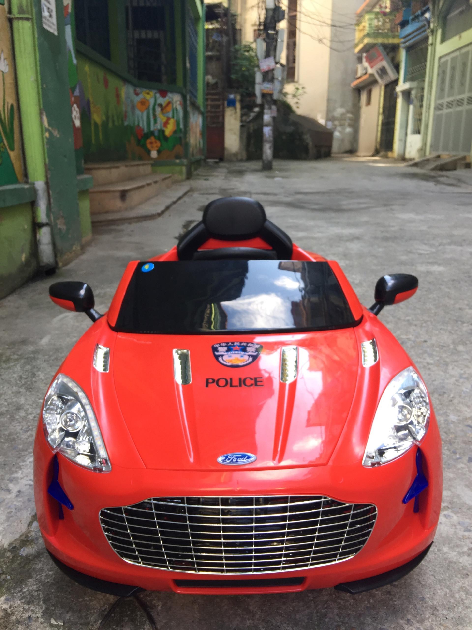 xe ô tô điện trẻ em police 999 17
