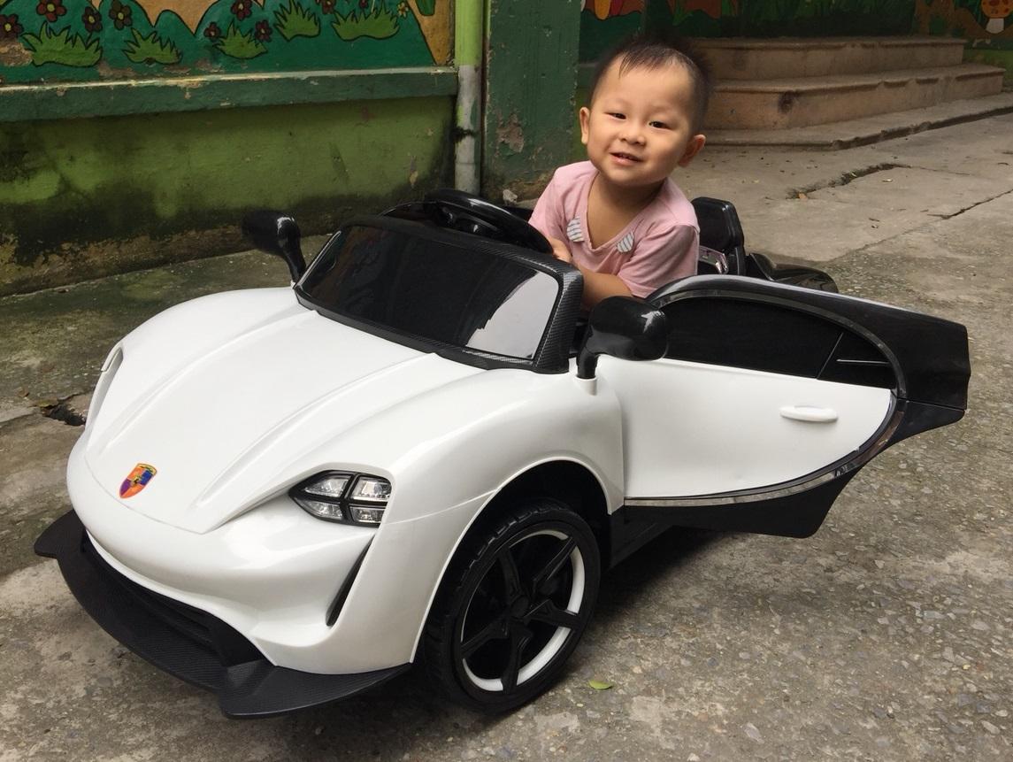 xe ô tô điện trẻ em 911 23