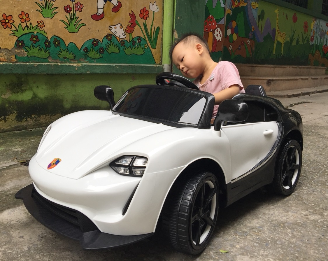 xe ô tô điện trẻ em 911 26