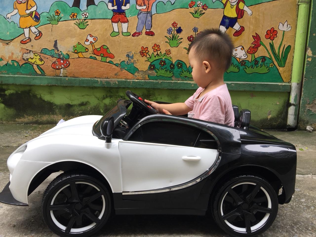 xe ô tô điện trẻ em 911 29
