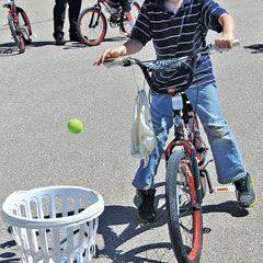 4 trò chơi kết hợp với xe đạp trẻ em
