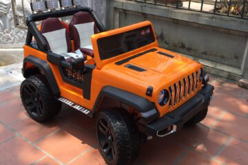 4 mẫu xe ô tô điện trẻ em địa hình hầm hố cho bé